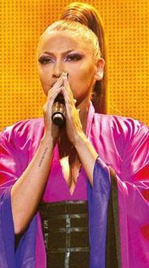 HADİSE  Ünlü şarkıcı Belçika doğumlu.