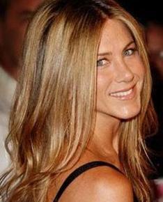 JENNIFER ANISTON  Jennifer Aniston aile mesleğini seçti.