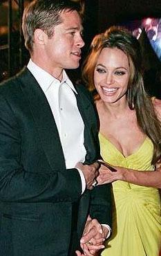 Bir çok kişi bunun gerçek aşk olmadığını, çiftin kısa sürede ayrılacağını söyledi. Ama Pitt ve Jolie 6 çocuklarıyla birlikte mutlu hayatlarını sürdürüyor.