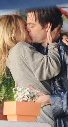 Kat Coiro'nun yönettiği film biri hamile kalıp bir bebek dünyaya getirdikten sonra hayatları değişen iki arkadaşın öyküsünü anlatıyor. Filmde Kirk ve BoswortH'un yanısıra Krysten Ritten ve Lauren Conrad da rol alıyor.