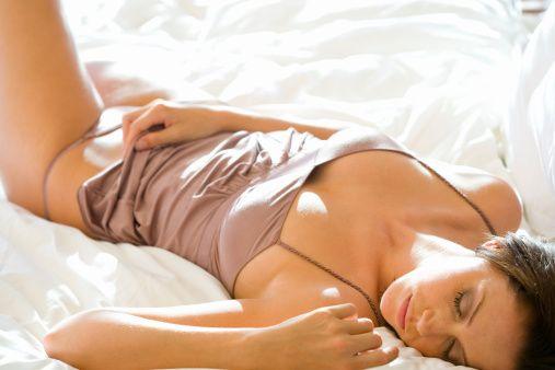10-Ağrıdan bahsetmişken, düzenli seksin adet dönemlerindeki ağrıları azalttığını da listemize eklemekte fayda var.  Aytaç Özkardaş/Formsanté