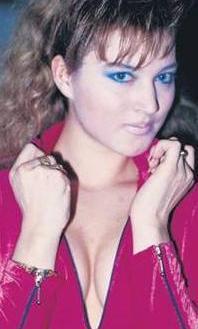 Döneminin en gözde dansçılarından ve TV ekranlarının en çok konuşulan yıldızlarından biriydi.