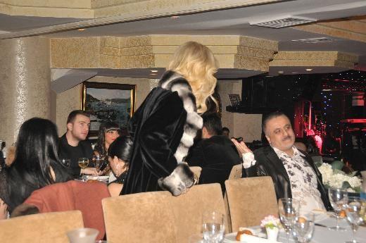 İstanbul'da Günay Restaurant'ta düzenlenen 'Cenk Koray Ekran Ödülleri' gecesi kavgayla bitti.