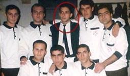 Nihat Doğan'ın katıldığı televizyon programlarında askerliğini Tunceli dağlarında yaptığını ve komutanının şehit düştüğünü söylemesinin ardından, Facebook'ta örgütlenen bir grup, sanatçının Artvin Borçka'da bulunan piyade birliğindeki gazinoda askerliğini yaptığını iddia etti.