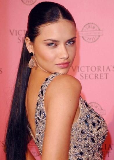 Adriana Lima -  8 milyon dolar
