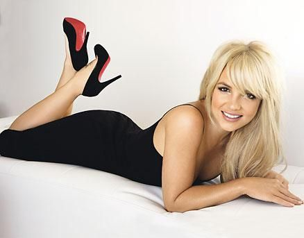 Ancak onun doğruyu söylemediği yıllar sonra ortaya çıktı.  Spears'ın eski avukatı Eric Ervin, genç şarkıcının ilk kez 14 yaşındayken bir erkekle birlikte olduğunu söyledi.