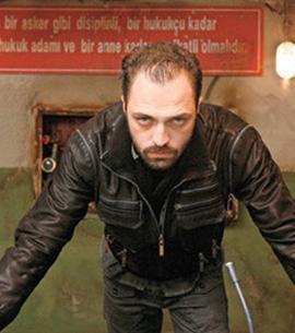 Ertan Saban, Karakol adlı diziyle ekrana gelmişti en son.