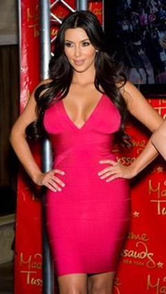 Kim Kardashian, yaptığı istisnasız her şeyi paraya tahvil eden ünlülerin 'piri. Evlenmesi, boşanması, evindeki hayatı, kısacası her şeyi para.
