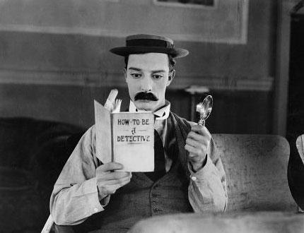 Buster Keaton  Beyazperdenin ''siyah-beyaz'' yıllarının ünlü aktörü Buster Keaton'ın yaşadığı set kazası ise gerçekten sinema tarihine geçecek türden.