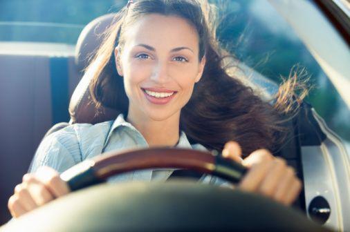 15.Tutum  a-Araç kullanırken kontrollüyümdür.  b-Hızlı ve tehlikeli araç kullandığım olur.