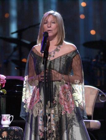 Barbara Streisand'ın da porno filmlerde oynadığı iddia ediliyordu.