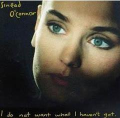 1990'lı yıllarda Nothing Compares 2 U adlı şarkısıyla ve elbette kazınmış saçlarıyla tüm dünyayı kasıp kavuran Sinead O'Connor bugün artık 44 yaşında.