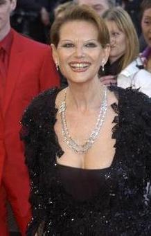 Claudia Cardinale ilerleyen yaşına rağmen yıllara en iyi meydan okuyan yıldızlardan biri.
