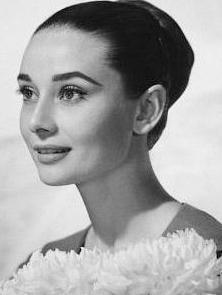 Sinemanın zerafet simgelerinden biriydi Audrey Hepburn.