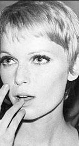 Mia Farrow 20'li yaşlarında böyle görünüyordu.