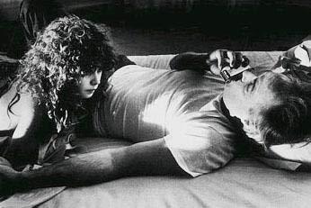 PARİS'TE SON TANGO  Bernardo Bertolucci'nin Paris'te Son Tango (Last Tango in Paris) adlı filmi hala sinema tarihinin en güçlü erotik filmlerinden biri olarak nitelendiriliyor.   MArlon Brando ve Maria Schrader filmin başrollerini paylaşıyordu.