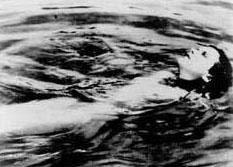 ECTASY  Gustav Machaty'nin 1933 tarihli siyah beyaz filmi de tarihin kışkırtıcı yapımlarından biri.