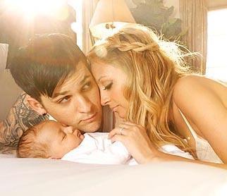 Nicole Richie ve Joel Madden ikinci bebeklerine Sparrow James Midnight adını verdi. Sparrow 'serçe', Midnight ise 'geceyarısı' anlamına geliyor. Çiftin Harlow Winter Kate adında bir de kızları bulunuyor.