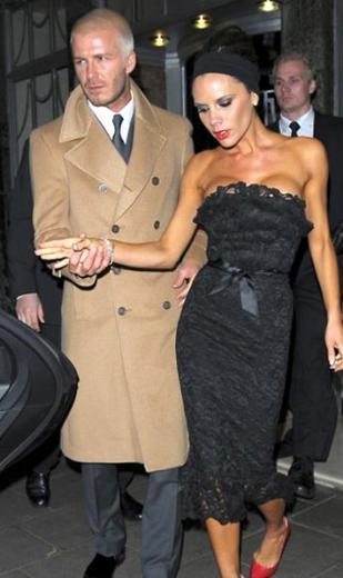 David ve Victoria Beckham üç erkek çocuğun ardından doğan kızlarına Harper Seven adını verdi. İngilizde 'yedi' anlamına gelen Seven, David Beckham'ın forma numarası. Bebeğin akşam baat 7 civarında ve 7'nci ay olan Temmuz'da doğmasının da bu isimde etkisi var.