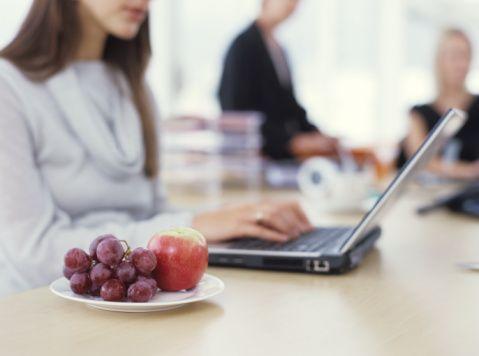 •Yılbaşı sonrasında 3 - 4 gün sabah kahvaltısı hariç diğer öğünleri yiyebildiğiniz kadar hafif ve çorba tarzı sulu yemeklerle geçirin.