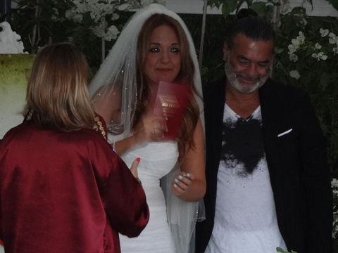 Ayşe Özyılmazel ve Ali Taran Bodrum'da Semiramis Pekkan'ın evinde kıyılan nikahla hayatlarını birleştirdi. Çiftin nikah şahitliğini Hıncal Uluç ve Necati Akpınar üstlendi.