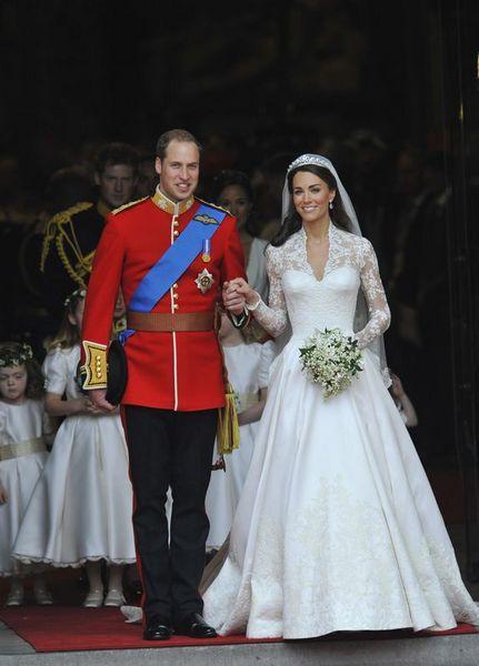 İngiltere Kraliyet tahtının ikinci sıradaki varisi Prens William ve Kate Middleton, Westminster Kilisesi'nde evlendi. Düğünü milyonlar izleme şansı buldu.