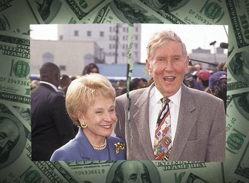 CBS, Viacom ve MTV Networks'ün yöneticiliğini yapmış olan Phyllis Redstone 52 yıllık evliliği bitirmek için 100 milyon dolar ödedi.