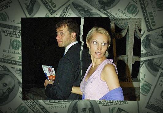 Roman ve Irina Abramovich Tatil kaçamağı sonrasında 2007'de son bulan evlilik 300 milyon dolara mal oldu.