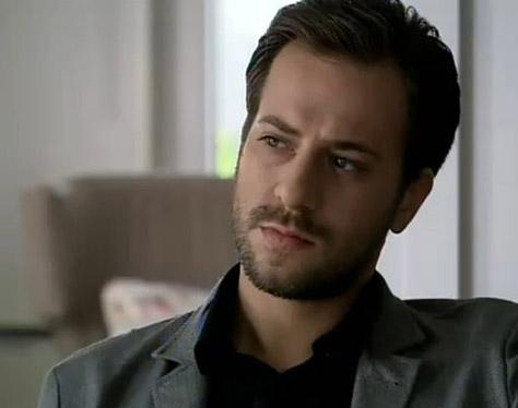 Kaan Taşaner geçen yıldan bu yana önemli karakterlerden Erdoğan'ı canlandırdığı Fatmagül'ün Suçu Ne dizisiyle geniş kitleler tarafından tanındı.