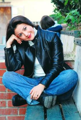 Yonca Cevher de Türk sinemasının usta oyuncularından birinin kızı.
