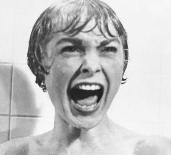 Janet Leigh'in Hitchcock'un ünlü Sapık filmindeki unutulmaz duş sahnesi...