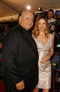 Hollywood'un en iyi karakter oyuncularından biri olan Paul Sorvino'nun kızı Mira henüz 29 yaşındayken Mighthy Afrodit filmiyle Oscar kazandı ve soyadını daha uzun yıllar unutturmayacağını gösterdi.