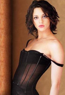 Asia Argento, ünlü yönetmen Dario Argento'nun kızı...