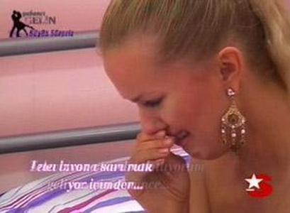 AKVİLİNA  Yabancı Gelin yarışmasının katılımcılarından Akvilina'nın milyonlarca seyircinin gözü önünde döktüğü gözyaşları uzun süre konuşuldu.