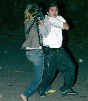 Magazincilere saldıran ünlüler - 14