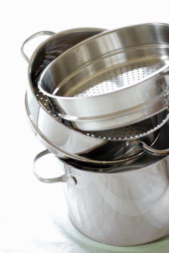 3) Alüminyum tencerelerde pişirilen ve saklanan gıdalar asit artışı ve ülserlere sebep olmaktadır.