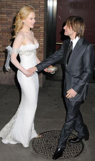 Nicole Kidman ve Keith Urban Çift 2006'da anavatanları olan Avustralya'da 250,000 dolar maliyetli bir düğünle evlendi. Bu rakam ünlüler dünyası için mütevazı sayılabilir.