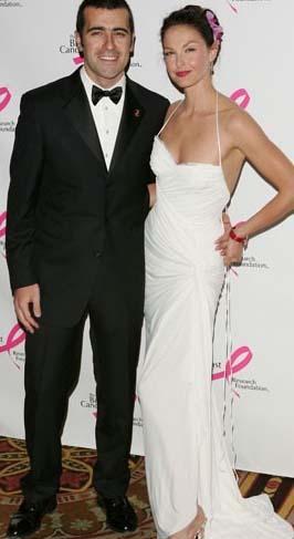 Ashley Judd ve Dario Franchitti Judd'ın sadece gelinliği 70 bin dolardı.