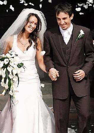 Gary Neville ve Emma Hadfield Düğünleri 1 Milyon Sterlin'e mal oldu.