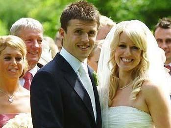 Michael Carrick ve Lisa Roughead 2007'de Stapleford Park Hotel'de Lisa Roughead ile evlendiği yapılan 250 Bin Sterlin'e mal oldu.