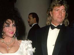 Elizabeth Taylor ve Larry Fortensky  Sinemanın menekşe gözlü yıldızı Taylor, Michael Jackson'ın California' daki çifliği Neverland Ranch'da gerçekleşen düğünü yemek ve içkiler için 500.000 dolar harcanan düğünde misafir listesinde Eddie Murphy, Liza Minnelli, Brooke Shields, Nancy Reagan ve Quincy Jones gibi ünlüler yer alıyordu. Çift 1996 yılında boşandı.