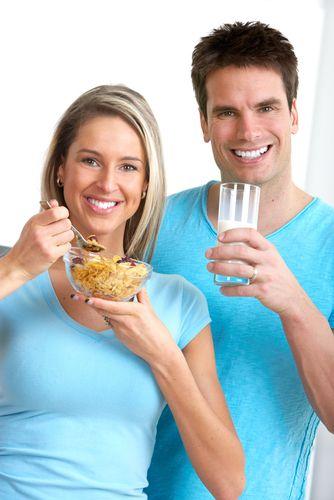 10- Her gün 4 bardak su: Kabızlık, bu diyette görülmez fakat eğer yeterince su almazsanız olabilir. Günde en az dört büyük bardak su için. Diyetinize uygun diğer içecekleri almayı da ihmal etmeyin.