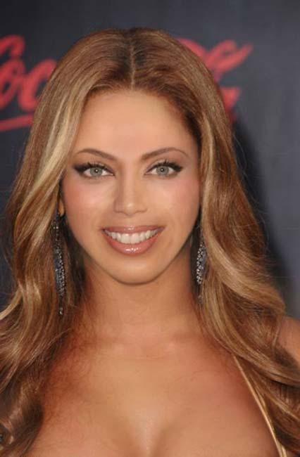 Beyonce, Jennifer Lopez, Angelina Jolie, Salma Hayek, Eva Longoria ve Jessica Alba