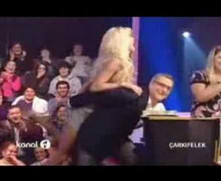 Bir zamanların Playboy güzeli, 2008 yılında Mehmet Ali Erbil'in sunduğu Çarkıfelek programında tek bir bölüm hosteslik yaptı...