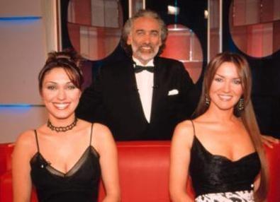 """ŞİMDİ TV YILDIZI   Zuhal Topal, Sinan Çetin'in sunuculuğunu yaptığı reality şov programı olan """"Film Gibi""""de hostes olarak görev aldı"""