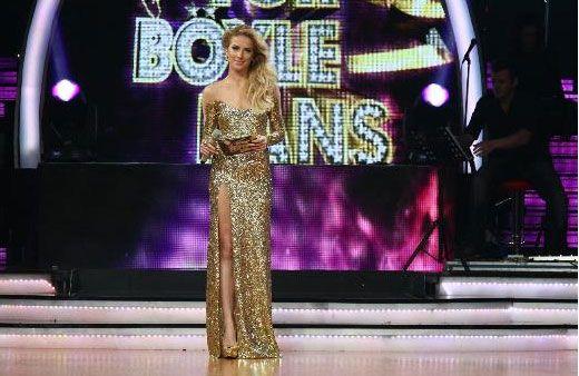 """""""Yok Böyle Dans""""'ın ikinci sezon galibi, önceki gün düzenlenen renkli finalle belli oldu. Yarışmanın iddialı ismi Özge Ulusoy, birinciliği rakiplerine kaptırmadı."""