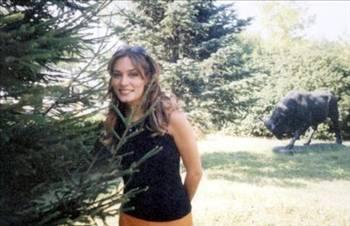Tescilli güzellerden Ebru Cündübeyoğlu'nun ilk medyatik aşkı Beyazıt Öztürk oldu.
