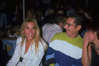 Ayrılığın ardından Cündübeyoğlu'nun adı Mehmet Ali Erbil ile anıldı.