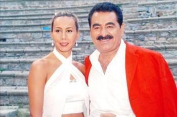 Perihan Savaş ve daha sonra Derya Tuna ile aşk yaşayan sanatçının en çok konuşulan ilişkisi Asena oldu.