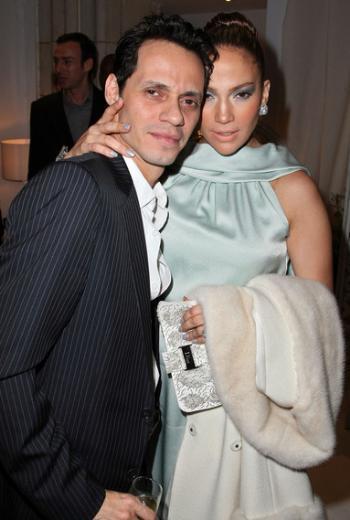 Ama basın boşandığı eşi Marc Anthony'yi o kadar benimsememiş olacak ki onları bir türlü birbirlerine yakıştıramadı yıllardır. Anthony en çok zayıflığı yüzünden eleştiriliyor.